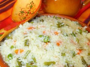 couscous-aux-des-de-legumes-plat-traditionnel-4999719